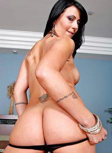 Zoey Holloway разделась и удивила свои стройным телом - фото #