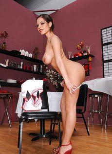 Шикарная девушка Yurizan Beltran с великолепным телом - фото #