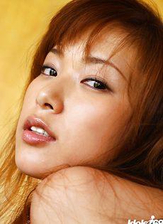 Японская скромная девушка с красивыми сиськами - фото #