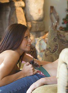 Красотка Whitney Westgate снова получает сперму на грудь - фото #