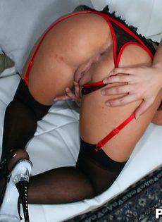 Сногсшибательная куколка Whitney Stevens любит мастурбировать - фото #