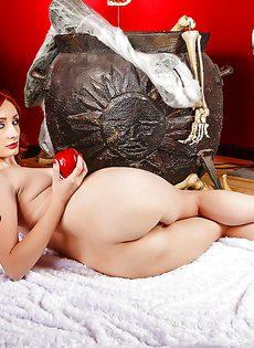 Откровенная фото сессия рыжеволосой молодой развратницы - фото #