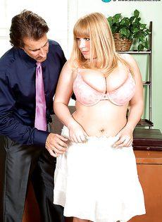 Секс в офисе с пышной секретаршей - фото #