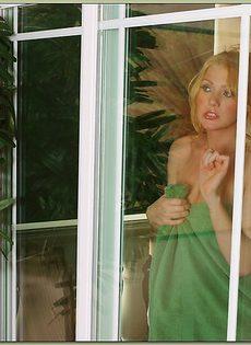 Мужчина трахнул возбужденную блондинистую подружку - фото #