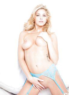 Ангельская блондинка Виктория А с красивым телом - фото #