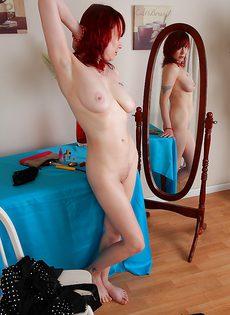 Рыженькая женщина хочет найти себе любовника - фото #15