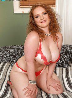 С толстой рыжеволосой бабенкой получился классный секс - фото #2