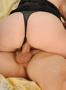 Жена села на половой член мужа после минета - фото #