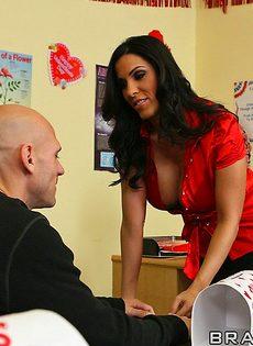 Грудастая преподавательница соблазнила лысого заочника - фото #7