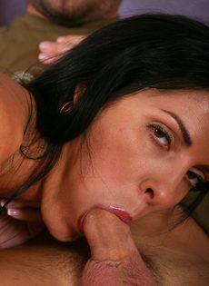 Женщина решила сделать качественный минет любовнику - фото #11