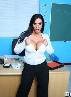 Преподавательнице захотелось секса после пары - фото #
