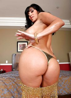 Veronica Rayne показала большую грудь и аппетитную задницу - фото #7