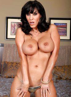 Veronica Rayne показала большую грудь и аппетитную задницу - фото #8