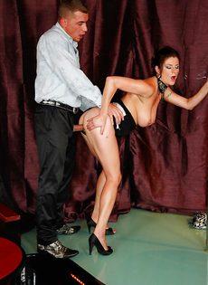 Групповуха богатых мужиков с девушками легкого поведения - фото #11
