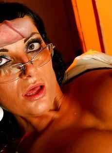 Veronica Diamond и два крепких паренька хорошенько трахнулись - фото #9