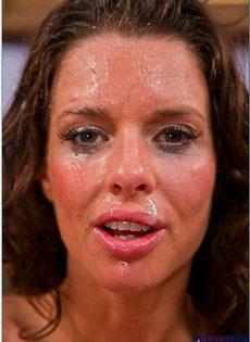 Вероника Авлув получила порцию спермы на лицо после соития - фото #