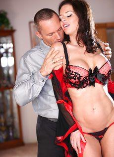 Классная дамочка Veronica Avluv отдается любимому мужику - фото #4