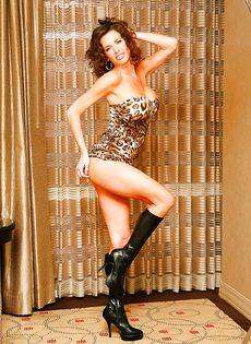 Эротические и откровенные фото гламурной женщины - фото #2