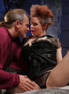Классный секс с грудастой зрелой женщиной после шикарного отсоса - фото #1