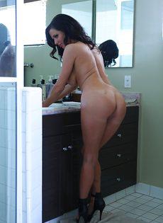 Умопомрачительной бабенке нужен большой крепкий пенис - фото #7