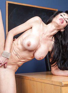 Veronica Avluv насладилась вагинальным проникновением - фото #11