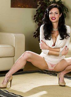Роскошная милфа Veronica Avluv давно не занималась сексом - фото #6
