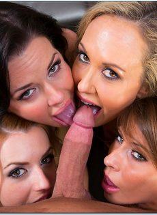 Одному пареньку нужно удовлетворить четверых красавиц - фото #