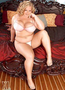 Жирная блондинка Veronica Vaughn не постеснялась раздеться - фото #7