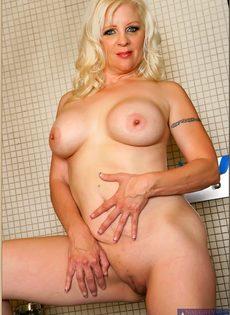 Жирная женщина выбрала не лучшее место для фото сессии - фото #10