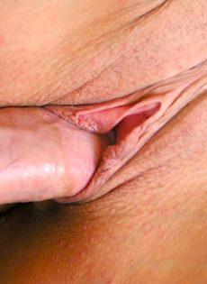 Лицо зрелой женщины в сперме после небольшой групповушки - фото #4