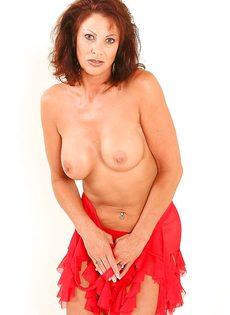 Эротические фотографии зрелой раскрепощенной тетки Vanessa Videl - фото #8