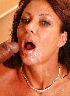 Трахнулась и насладилась спермой полового партнера - фото #14