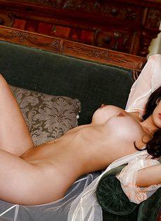 Женственная милашка очень быстро возбудилась - фото #4