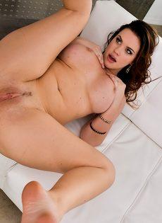 Без проблем проник крепким членом в аппетитную попу порно звезды - фото #8
