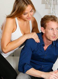 Бурный половой акт с двумя раскрепощенными красавицами - фото #1