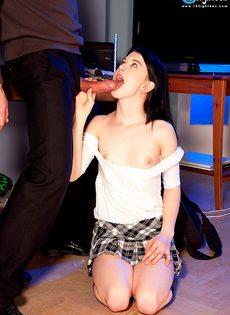 Тоненькая студентка соблазнила репетитора на половое сношение - фото #7