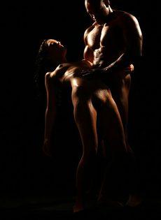 Красивое вагинальное совокупление влюбленных после орального секса - фото #6