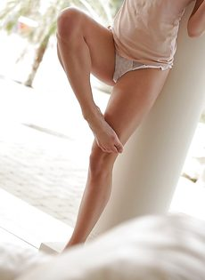 Сладострастная блондинка Sienna Day в красивом нижнем белье - фото #7