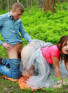 Паренек угостил спермой любимую девушку после полового акта - фото #7