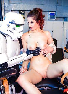 Звездные войны: Stella Cox получает большой член в задний проход - фото #5