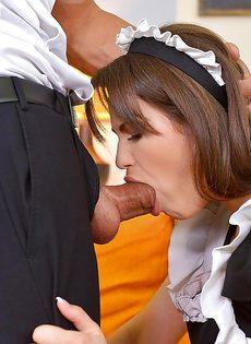 Горячие красотки в униформе доводят до оргазма общего знакомого - фото #11