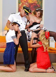 Горячие красотки в униформе доводят до оргазма общего знакомого - фото #14