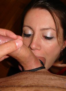 Удовлетворенный парень наполнил спермой рот молодой сосалки - фото #3