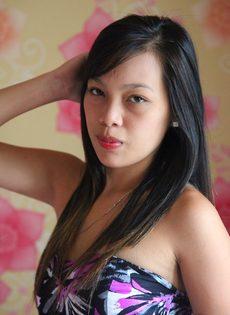 Азиатская худенькая девушка с маленькой грудью и тугой писькой - фото #2