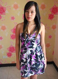 Азиатская худенькая девушка с маленькой грудью и тугой писькой - фото #3