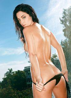 Красивые фотографии темноволосой девушки со стройной фигурой - фото #7