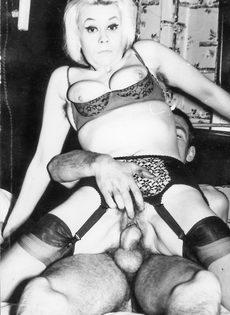 Возбуждающие ретро фото с сексуальными развлечениями - фото #3