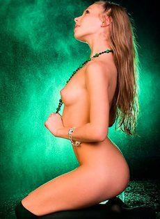 В зеленых чулках - фото #