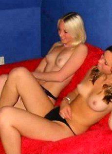 Фото девушек которые любят наготу - фото #