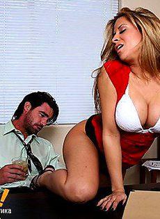 Мужик хорошенько оттрахал девушку с большими сиськами - фото #